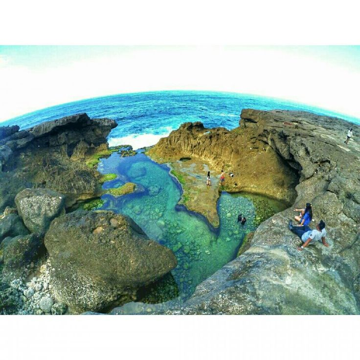 Kalau Nusa Penida Di Bali Punya Kolam Renang Alami Angel's Billabong, Tulungagung Juga Punya Pantai Kedung Tumpang Dengan Kolam Alaminya Yang Enggak Kalah Cakep!