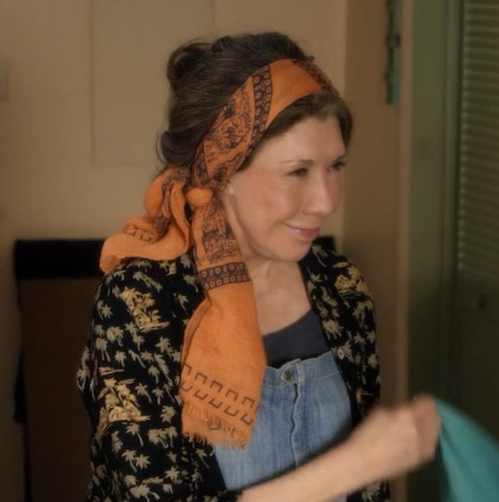 Lily Tomlin in Loco Lindo flyaway shirt on Grace and Frankie series www.loco-lindo.com