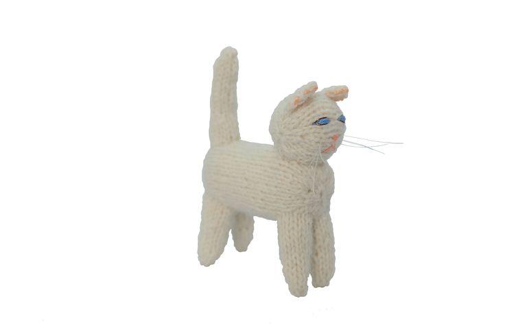 猫のあみぐるみ2 | ihanaa−北欧とバルト三国の毛糸と 雑貨のセレクトショップ