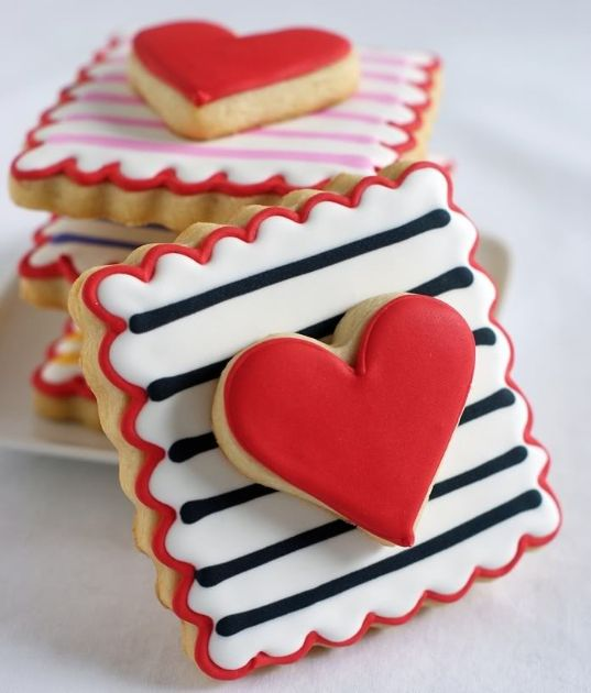 Galleta decorada con royal icing para San Valentín #valentinesday  #valentine  ♛BOUTIQUE CHIC♛