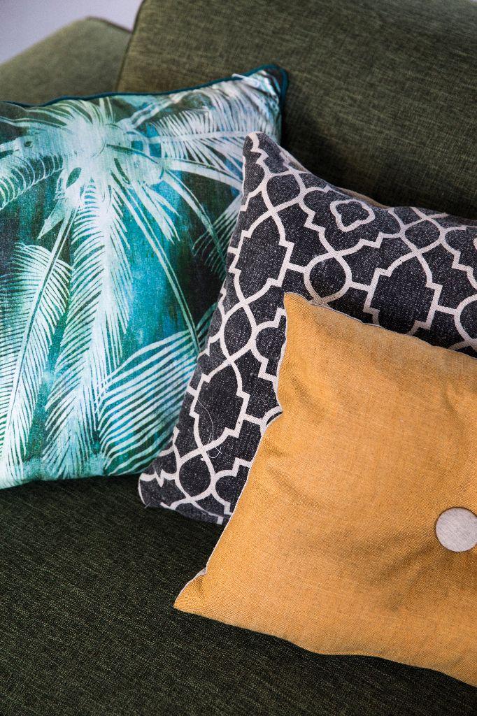 Trendhopper ● Breng sfeer en kleur in je interieur met een combinatie van je favoriete kussens.