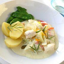 Fisk i läcker apelsinsås! Serveras med potatis och grönsaker.