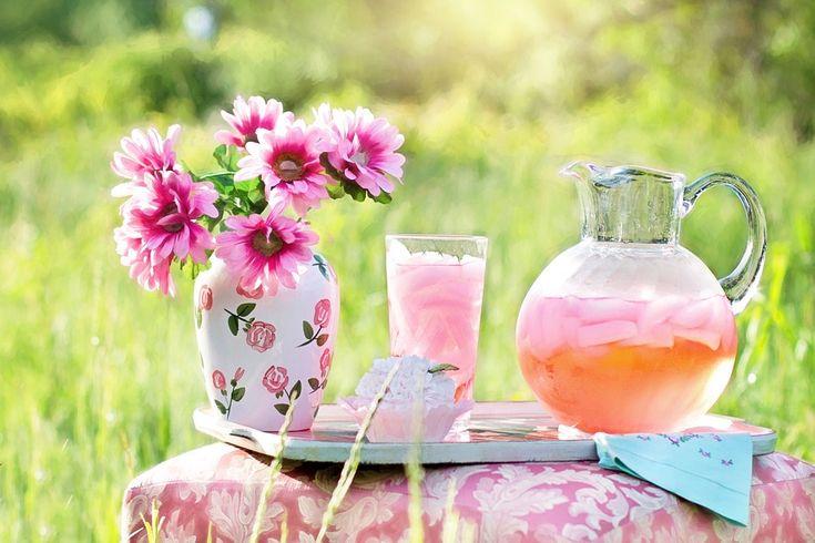 Лимонад з пелюсток троянди