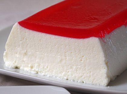 Γλυκό ψυγείου με γιαούρτιΑπλό, δροσερό, πανεύκολο και νόστιμο γλυκό ψυγείου με γιαούρτι. Ιδανικό για