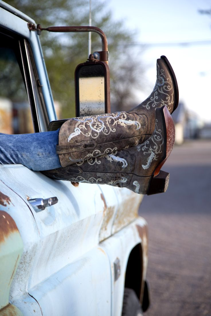 Women's Western Boots, Cowboy Boots | Buckle.com