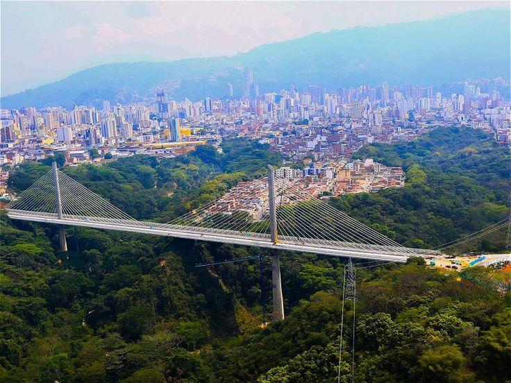 El puente urbano más grande de Suramérica. Viaducto de Bucaramanga. Mucho más sobre nuestra hermosa Colombia en www.solerplanet.com
