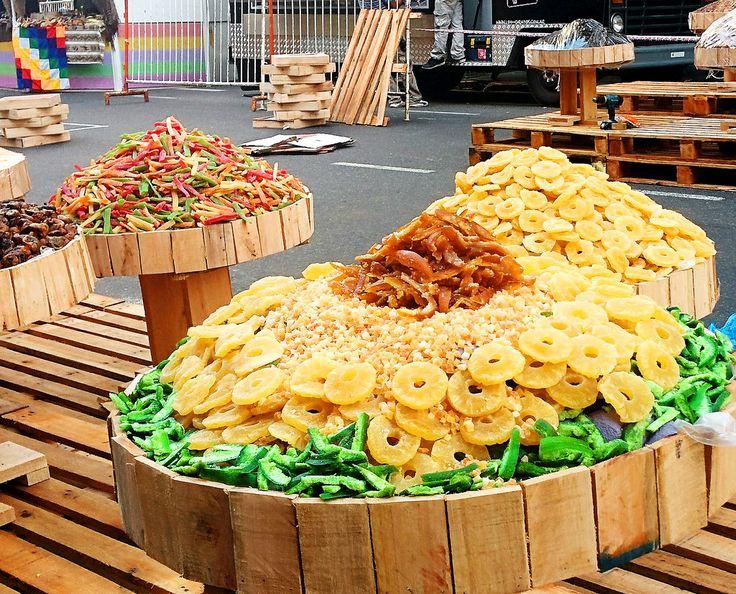 https://flic.kr/p/RWdY6F | BuenosAires004 | Fruta Confitada en Feria Agrícola, Avenida de Mayo, Buenos Aires, Argentina.
