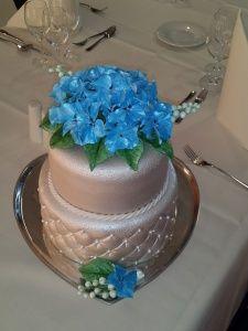Bruidstaart met hortensia van Mirjams sweet temptations
