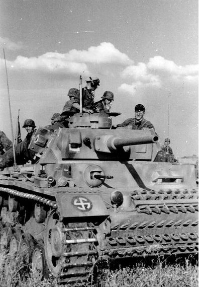 The SS-Panzer battalion Wiking, with elements of the Germania, was to breach the main line of defence and establish a bridgehead. The Westland was to capture the town of Sagopshin, and the division's engineer component, along with the rest of Germania was to advance along the Kurp. Images: Panzer IVs of SS-Panzer-Abteilung 5 Wiking.