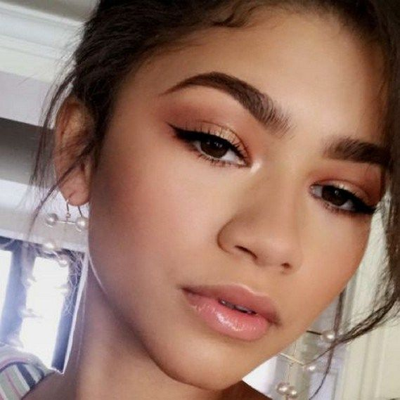 59 Best Natural Prom Makeup Ideas that Makes You Look Stunning #prommakeup #natu…