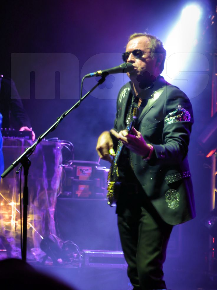 Level 42 (Mark King)