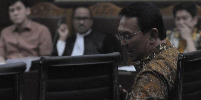 ahok bersaksi di sidang kasus reklamasi. ©2016 merdeka.com/imam buhori   Majalah Berita , Jakarta ...