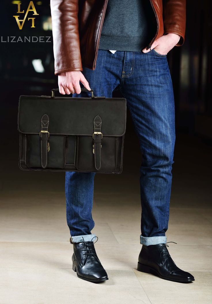 The LA Leather Laptop/Briefcase is perfect for everyday use. Whether you are a professional, student or  tradie  – this bag will surely impress.