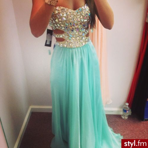 This is what I call a prom dress