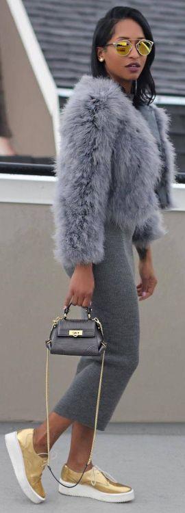 Coat: BCBGMAXAZRIA / Fashion By Laytoia Fitzergald