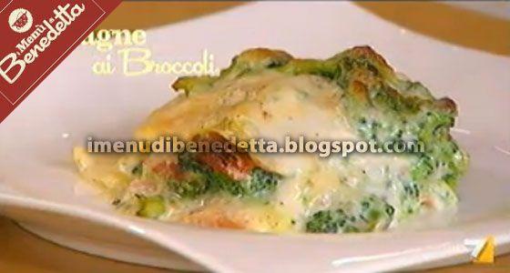 Per un primo piatto raffinato ed economico le lasagne sono perfette, essendo molto ricche e facili da preparare. In questa versione Benede...