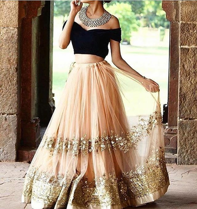 reminds me of a Disney princess outfit.