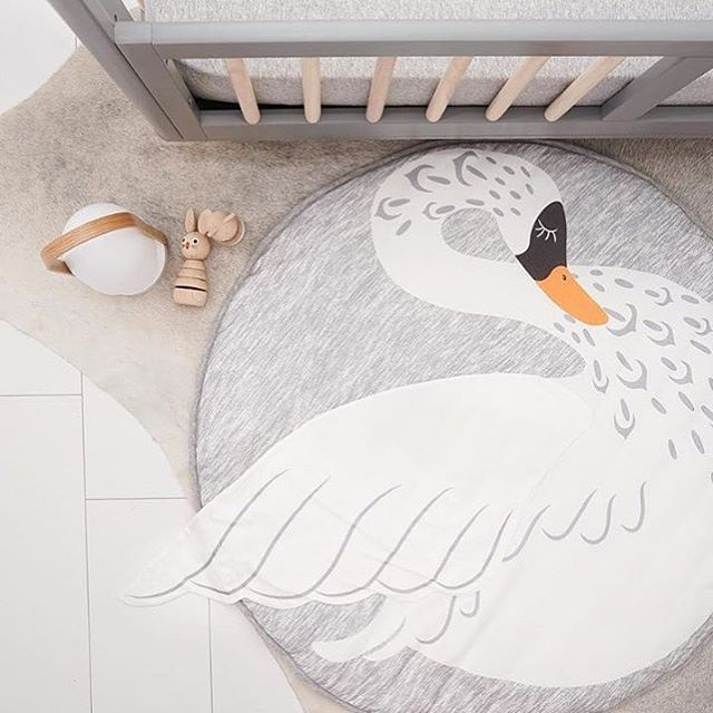 Beautiful swan ✨ Can't wait to get this and more playful baby mats in store  www.ellevillemini.no
