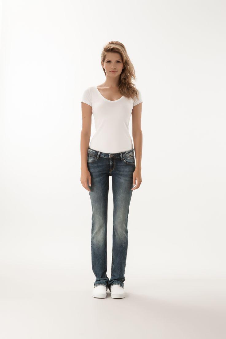 Laura / Regular Bootcut Fit  #denim #CrossJeans