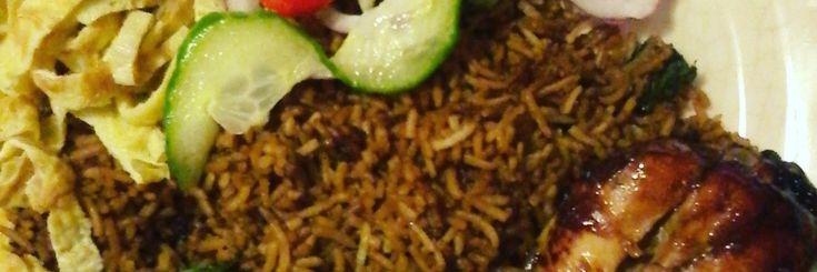 Surinaamse Nasi Recept Stappenplan 😉 Ingrediënten: Voor de Nasi: 500 gram Basmati Rijst Selderij 2 theel. Ajinomoto 5 eetl. Ketjap Manis