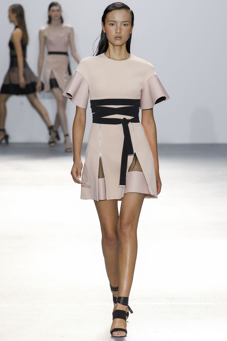David Koma Spring 2016 Ready-to-Wear Fashion Show