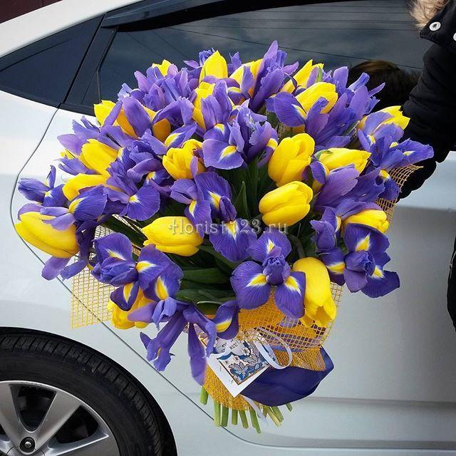 Букет из тюльпанов и ирисов #цветы #тюльпаны #ирисы #букет #букетназаказ…