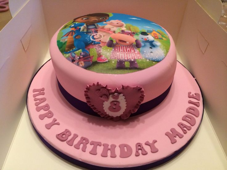Simple but lovely doc mcstuffins cake. :)