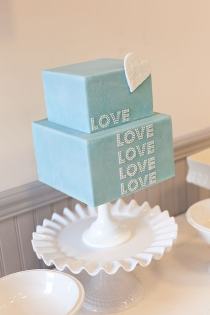 This cake is all about Love! Great find as the month of love draws to a close. Great inspiration.