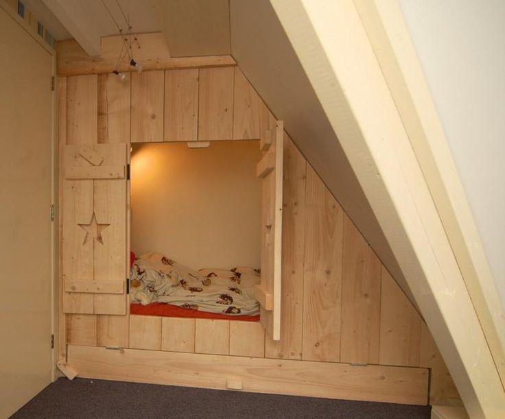 Bekijk de foto van MuraMura met als titel inbouwbedstee in nieuw steigerhout met ruimte voor logeermatras en andere inspirerende plaatjes op Welke.nl.