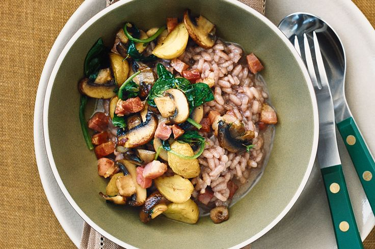 Red wine risotto with chestnuts, Tuscan kale, mushrooms and cavolo nero #superfood http://www.taste.com.au/recipes/21964/red+wine+risotto+with+chestnuts+mushrooms+and+cavolo+nero