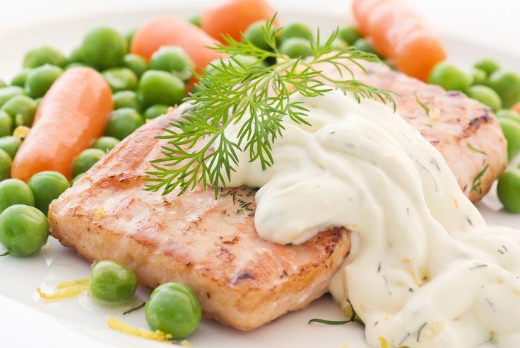 Veja como fazer 4 receitas de molhos para peixe que vão deixar suas refeições ainda mais gostosas!