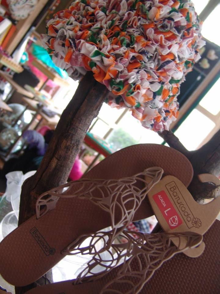 Stylish bronze for stylish ladies... #alltimeclassic #musthave #multicolor #summertime #batucada