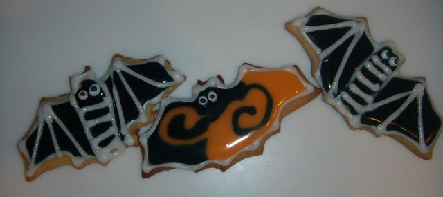 Food Art Party: How to Make Flood-filled Sugar Cookies with a No Egg Icing- Halloween Cookies
