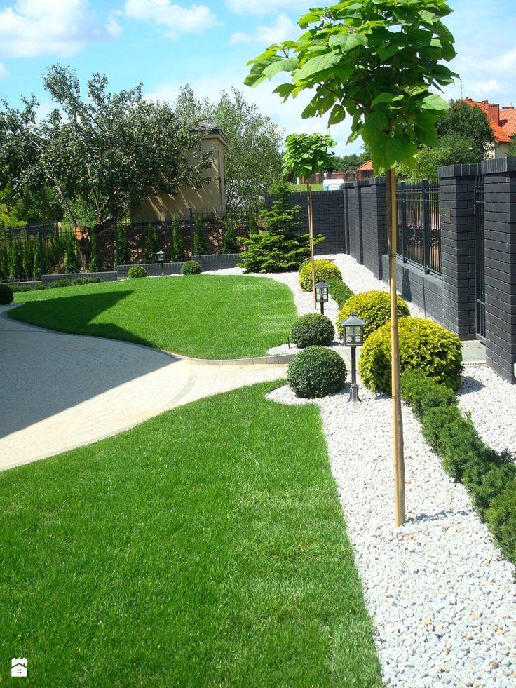 CLASSIC - Średni ogród przed domem, styl klasyczny - zdjęcie od Paweł Bednarczyk Architektura Krajobrazu