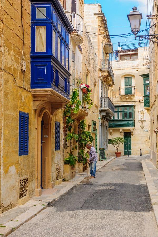 Alley In Birgu, Malta