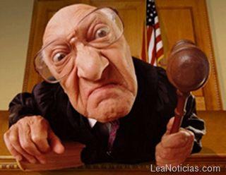 Conozca las leyes más absurdas del mundo (insólitas) - http://www.leanoticias.com/2012/02/09/las-locas-e-inslitas-leyes-mas-absurdas-del-mundo/