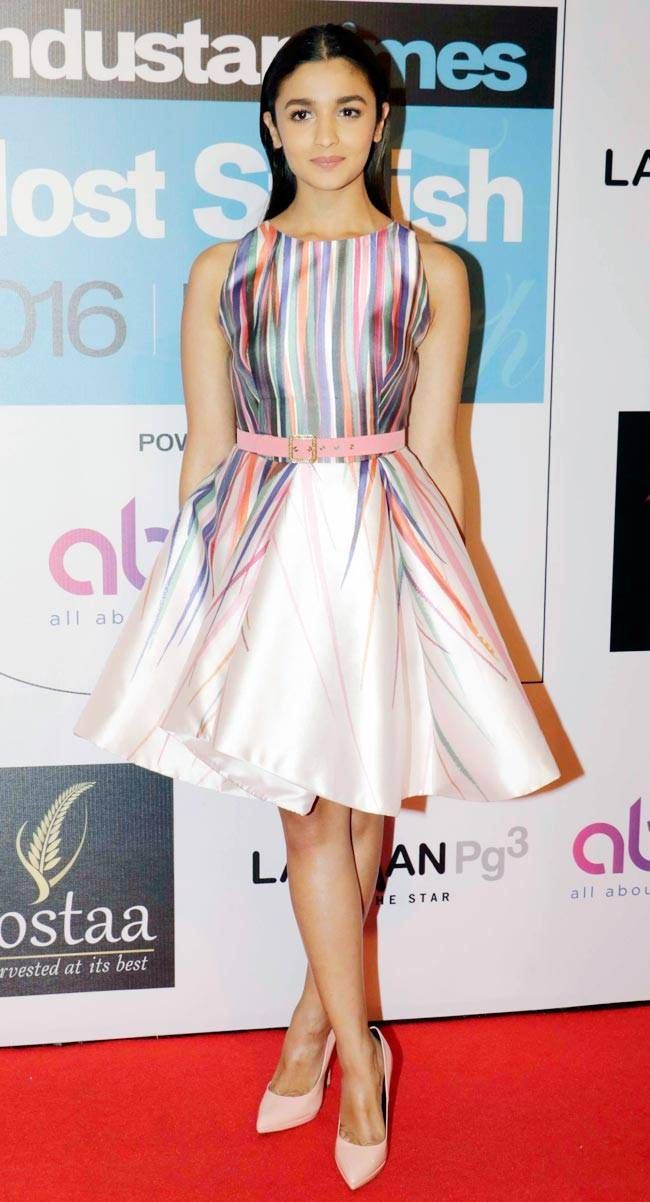 Alia Bhatt at Hindustan Times Most Stylish Awards 2016.#aliabhatt http://www.manchimovies.com