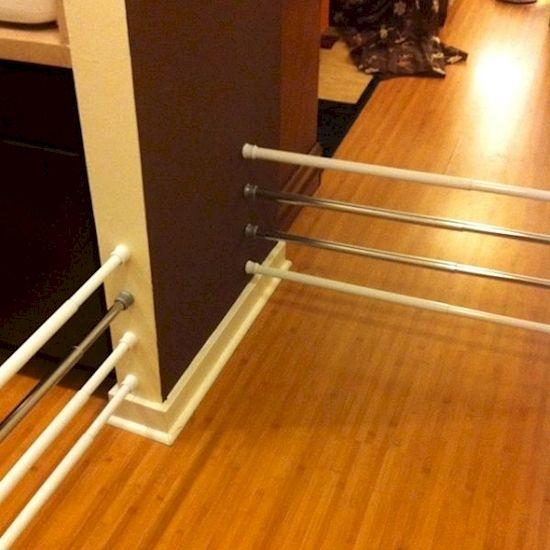 Les barres de fixation extensibles et automatiques, utilisées pour étendre les rideaux de douche, peuvent s'avérer être des objets très pratiques d'utilisation dans certaines réalisations de bricol...
