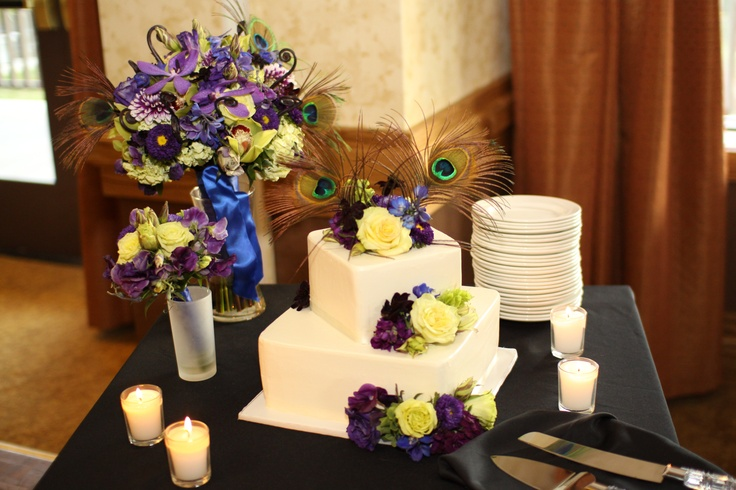 Wedding cake and bouquets...peacock theme. : Yosemite Peacock, Brendan Peacock, Wedding Ideas, Flowers Th Cakes, Wedding Cakes, Theme Ideas, Bouquets Peacock Theme