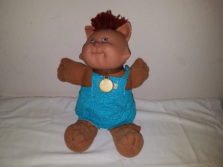 1983 Cabbage Patch Doll Koosas Cat W Original Outfit This Is In Great Condition The Outfit Has Holes Cabbage Patch Kids Dolls Cabbage Patch Dolls Patch Kids