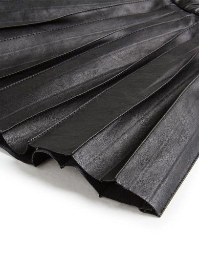 Falda plisada efecto piel