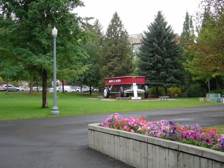 Spokane Centennial Trail goes through Riverfront park & the campus of Gonzaga University.