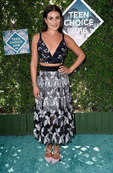 Lea Michele Photos Photos - Actress Lea Michele attends the Teen Choice Awards 2016 at The Forum on July 31, 2016 in Inglewood, California. - Teen Choice Awards 2016 - Arrivals