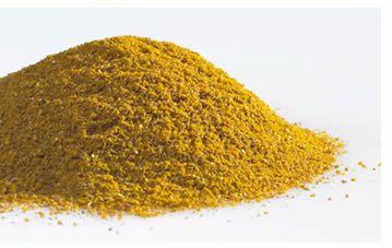 Il curry, o piu' precisamente MASALA, e' un composto speziale di origine indiana; il termine curry e' una parola occidentalizzata dal popolo britannico derivante del sostantivo CARI, che significa zuppa.   Il curry e' una spezia ottenuta dal pestaggio con mortaio di diversi ingredienti:  il risultato puo' essere piccante (mild) o molto piccante (sweet; contrariamente al significato inglese della parola).