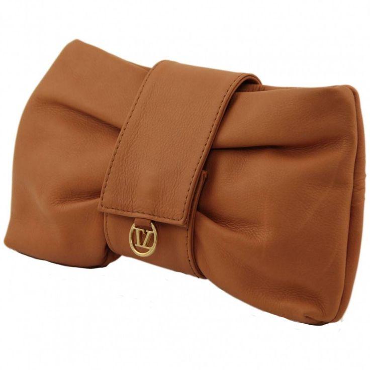 Geanta plic Priscilla, din piele naturală garantată 2 ani de către Tuscany Leather. Un model în trend perfect pentru o ținută cu stil.