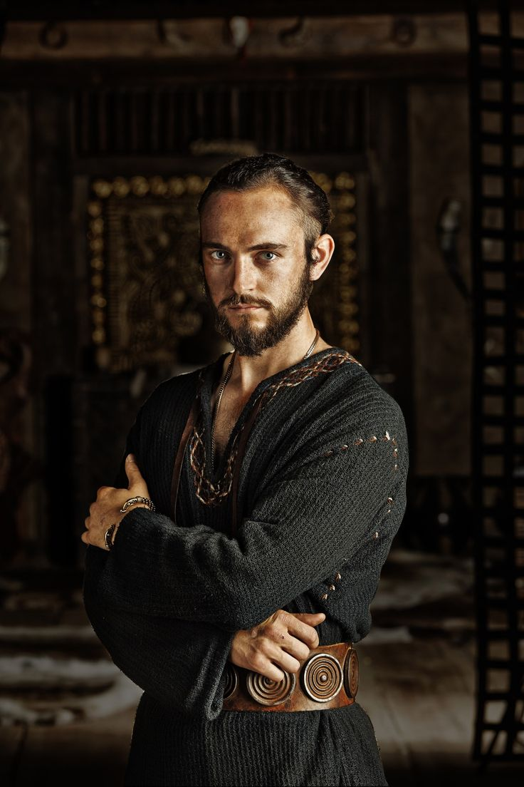 It's nice to see the costumes showing the wealth the Ragnar Lothbrok Clan has amassed. The clothing is fresh and clean looking. george-blagden.net