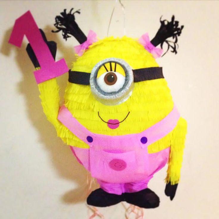 Minion niña para fiesta de mi primer añito #minions #piñatascreativas #piñapiñatas #bogota #eventosinfantiles