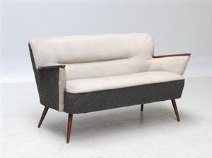 Lauritz.com - Møbler - Dansk Møbelproducent. Fritstående sofa. 1940-50'erne - DK, Kolding, Trianglen