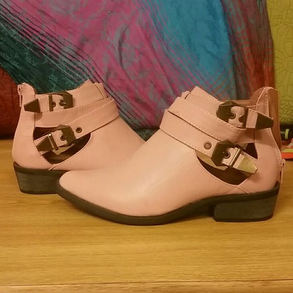 Pink ankle boots size 6.5 Never worn. Got them as a present but they are not my style. Shoes Ankle Boots & Booties