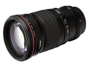 An honest and unbiased review of the Canon 16-35 wide angle lens. If you are thinking about buying this lens you need to take a look at this article first. #photography-tips-and-tricks
